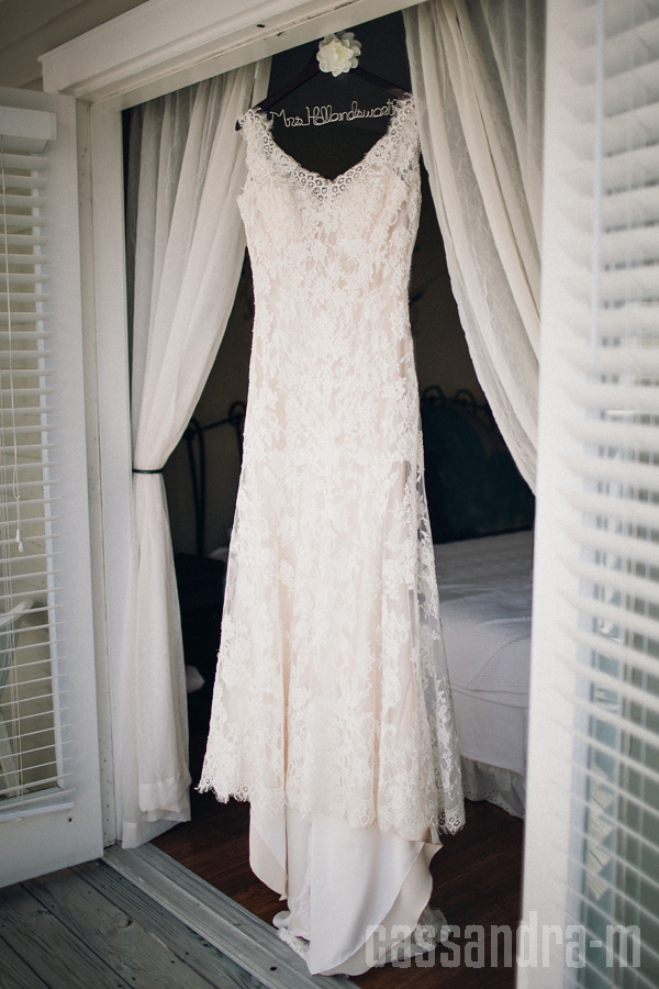 Hemingway home wedding rebecca michael key west for Key west wedding dresses
